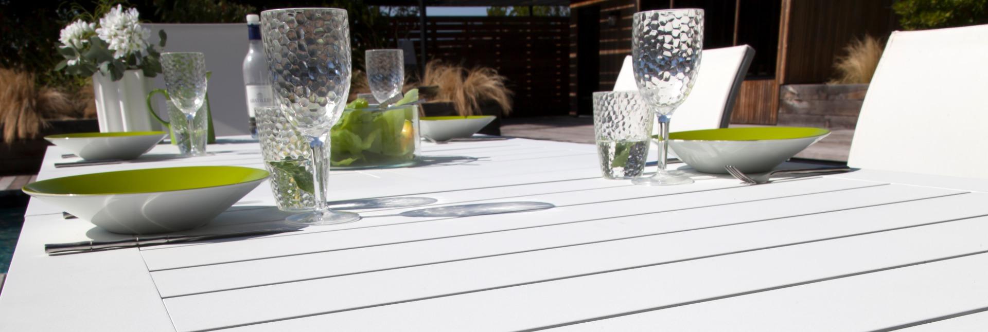 Table Aurore blanche 214/311 cm
