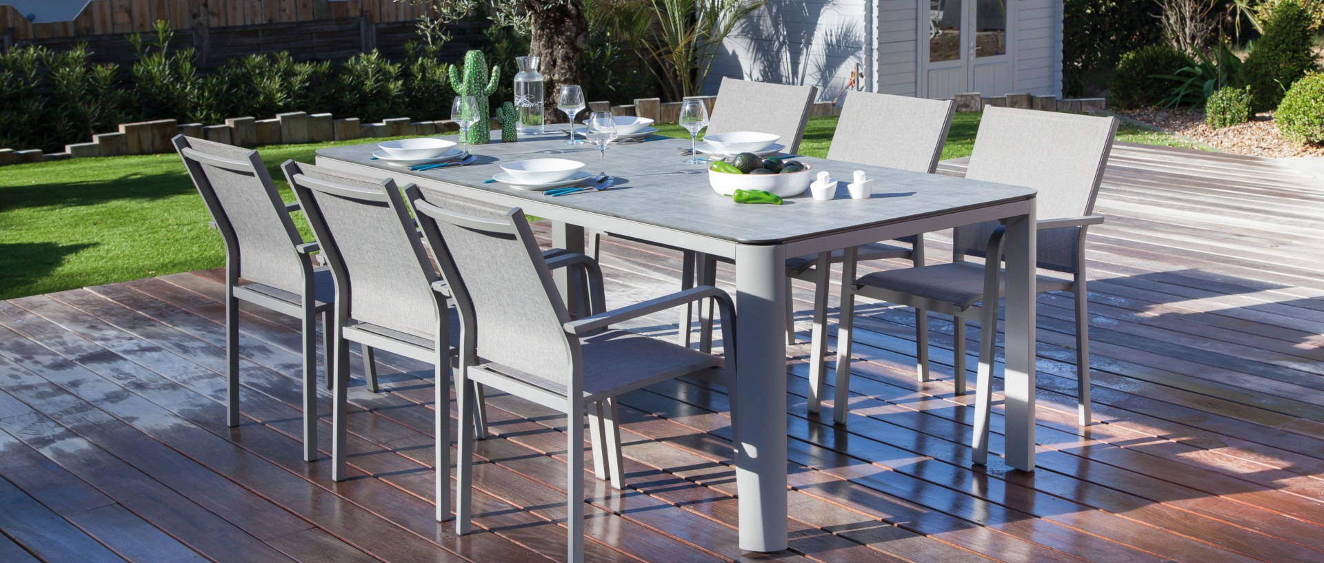 Table Eole 210 cm + fauteuils Quenza