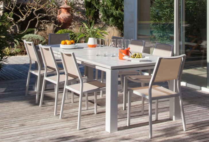 Table fiero 240 greige+ chaises Florence greige