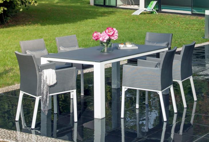 Table Gela + Fauteuils Oslo