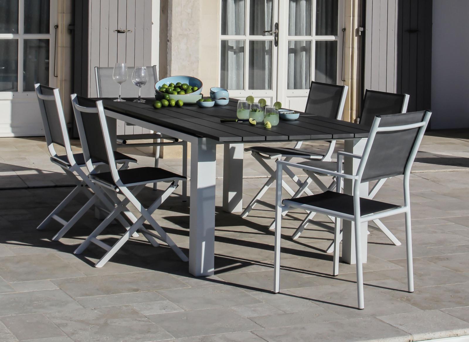 fauteuil thema grey gris chaises et fauteuils de jardin. Black Bedroom Furniture Sets. Home Design Ideas