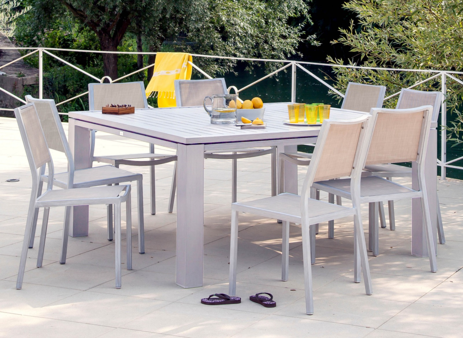 Table de jardin carr e fiero 160cm mobilier de jardin - Table de jardin carree extensible ...