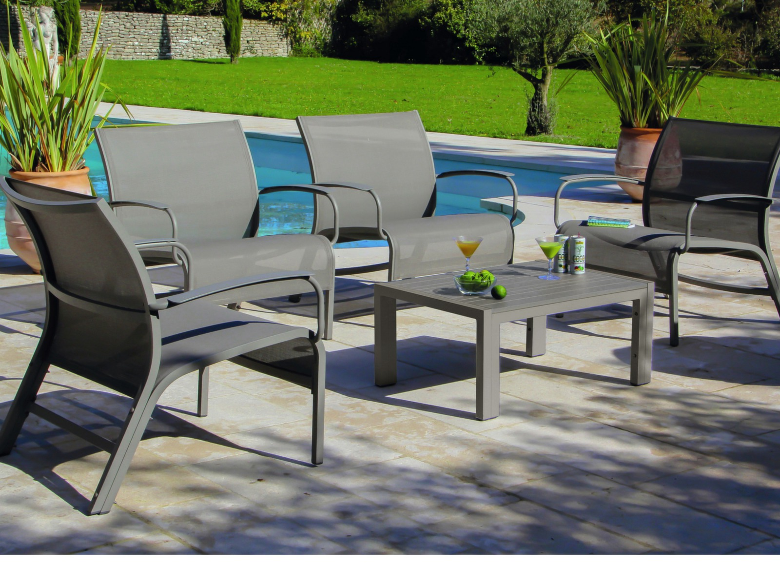 Salon de jardin lounge linea mobilier salon de jardin for Salon detente