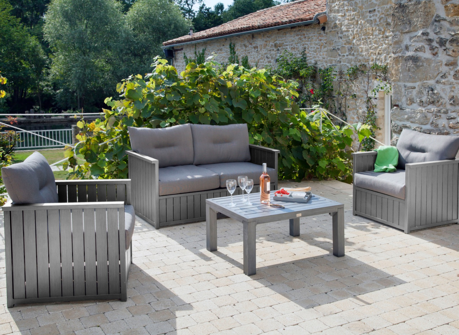Canap 2pl et table basse look bois milano proloisirs for Canape milano