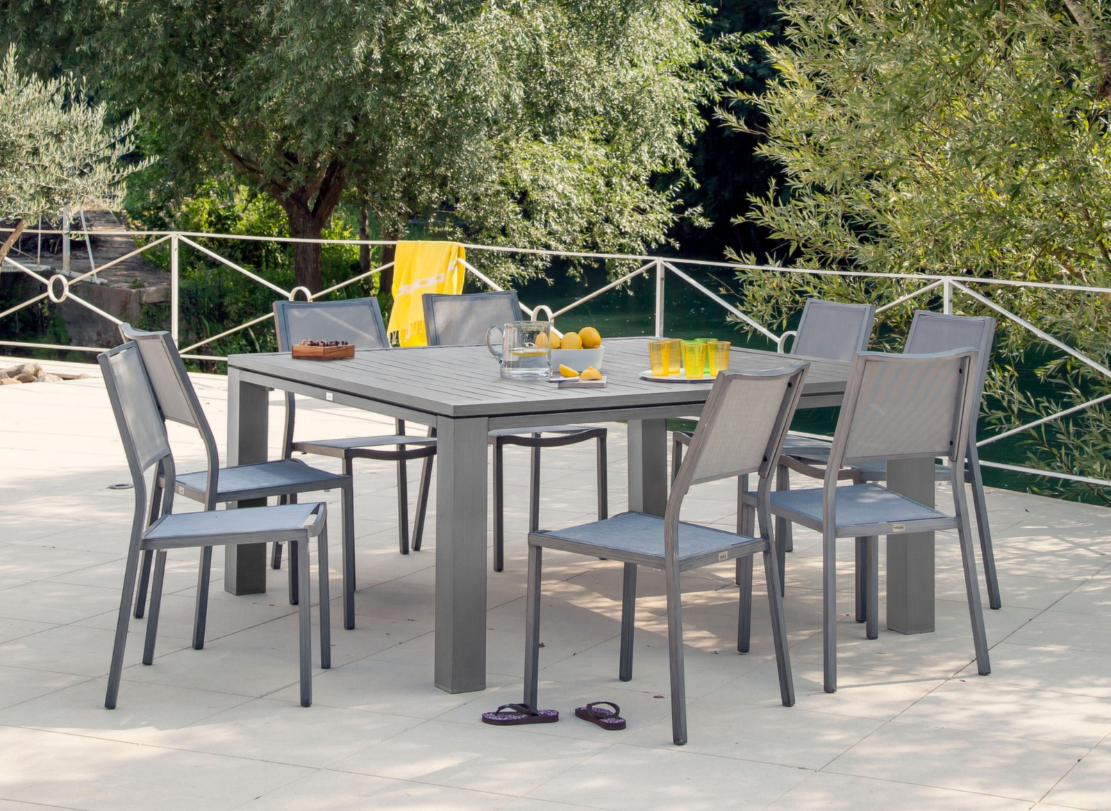 Table de jardin design carrée Fiero 160cm – Proloisirs