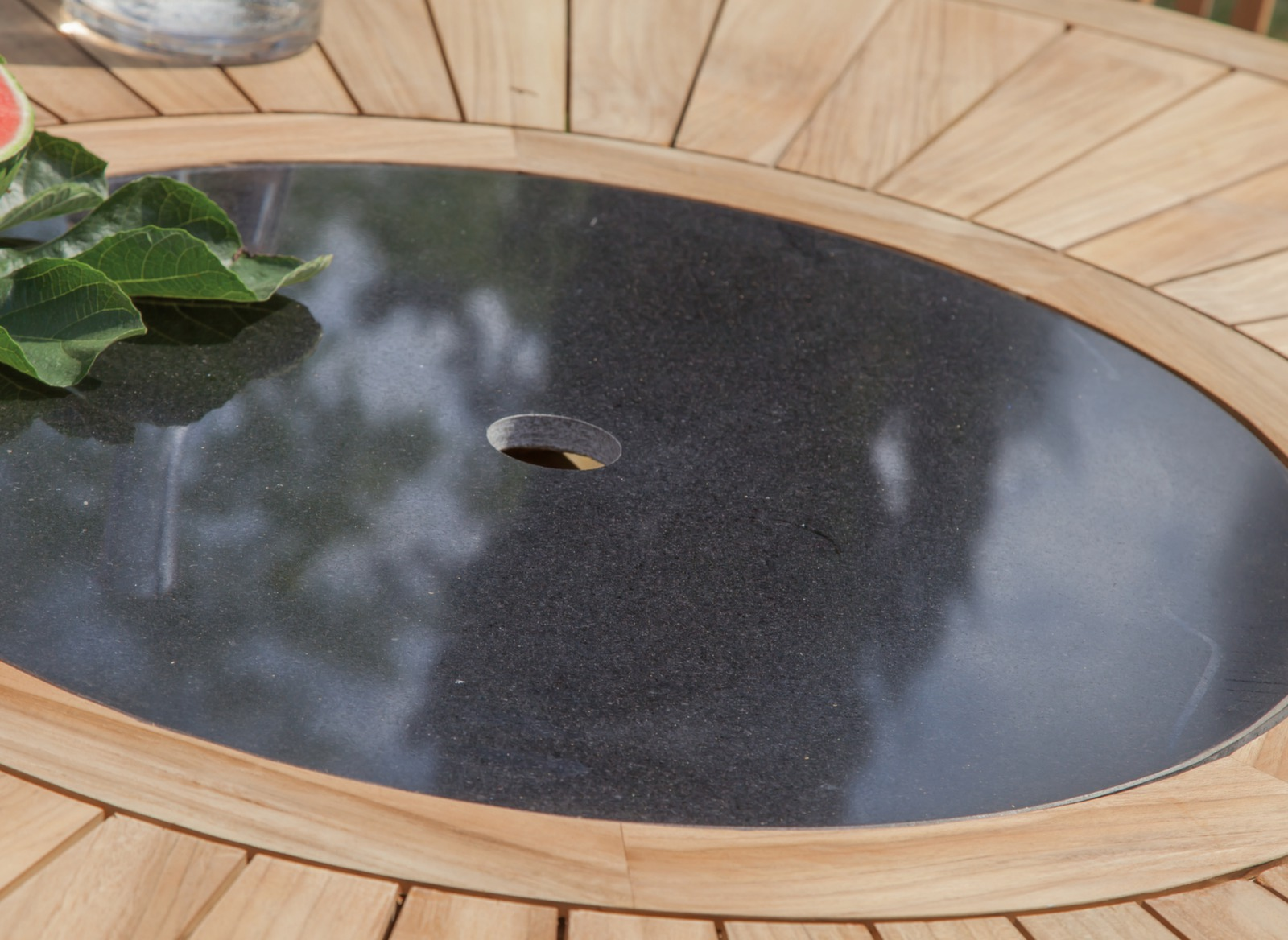 table de jardin brehat 155 cm mobilier de jardin proloisirs. Black Bedroom Furniture Sets. Home Design Ideas