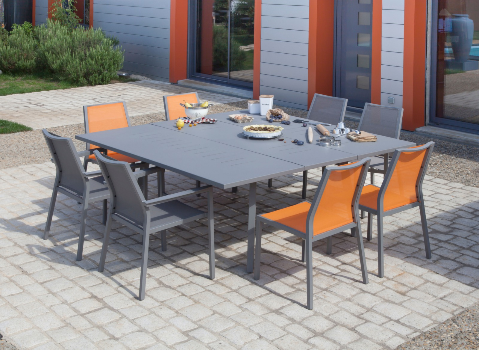 Table extensible barcelona 130 180 cm tables de jardin for Barcelona jardin