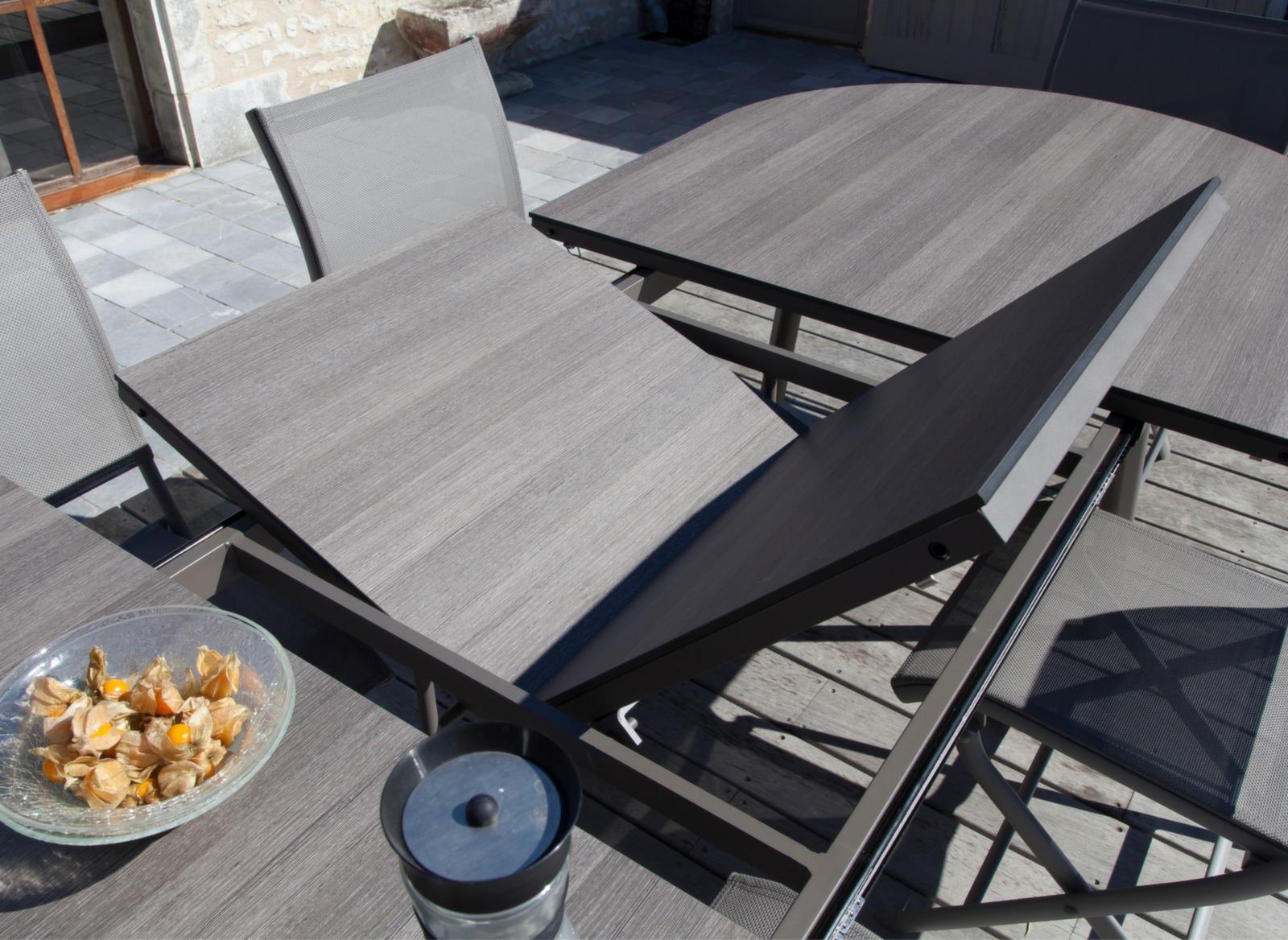 Table de jardin ovale 10 pers bilbao trespa gamme oc o for Table rallonge 12 personnes