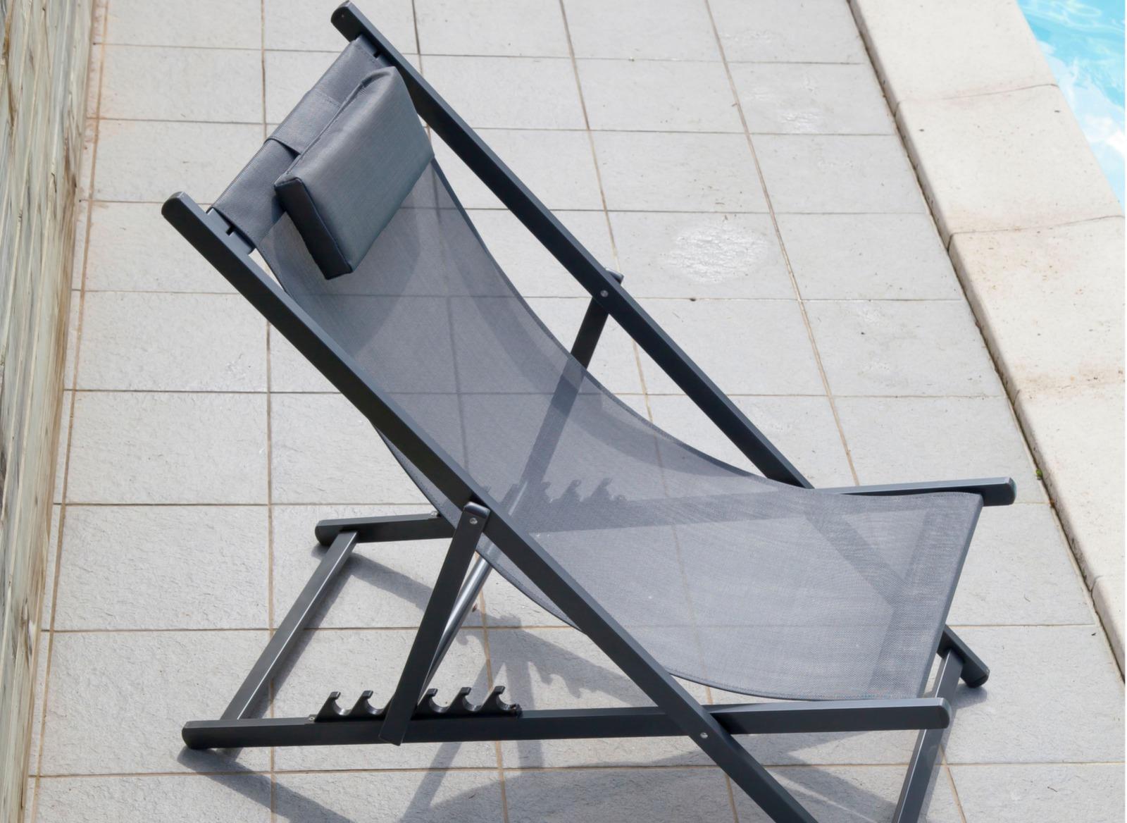 chilienne. Black Bedroom Furniture Sets. Home Design Ideas