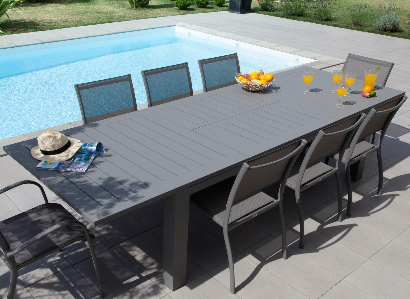 Table de jardin aluminium 12 places aurore oc o proloisirs for Table d exterieur avec rallonge