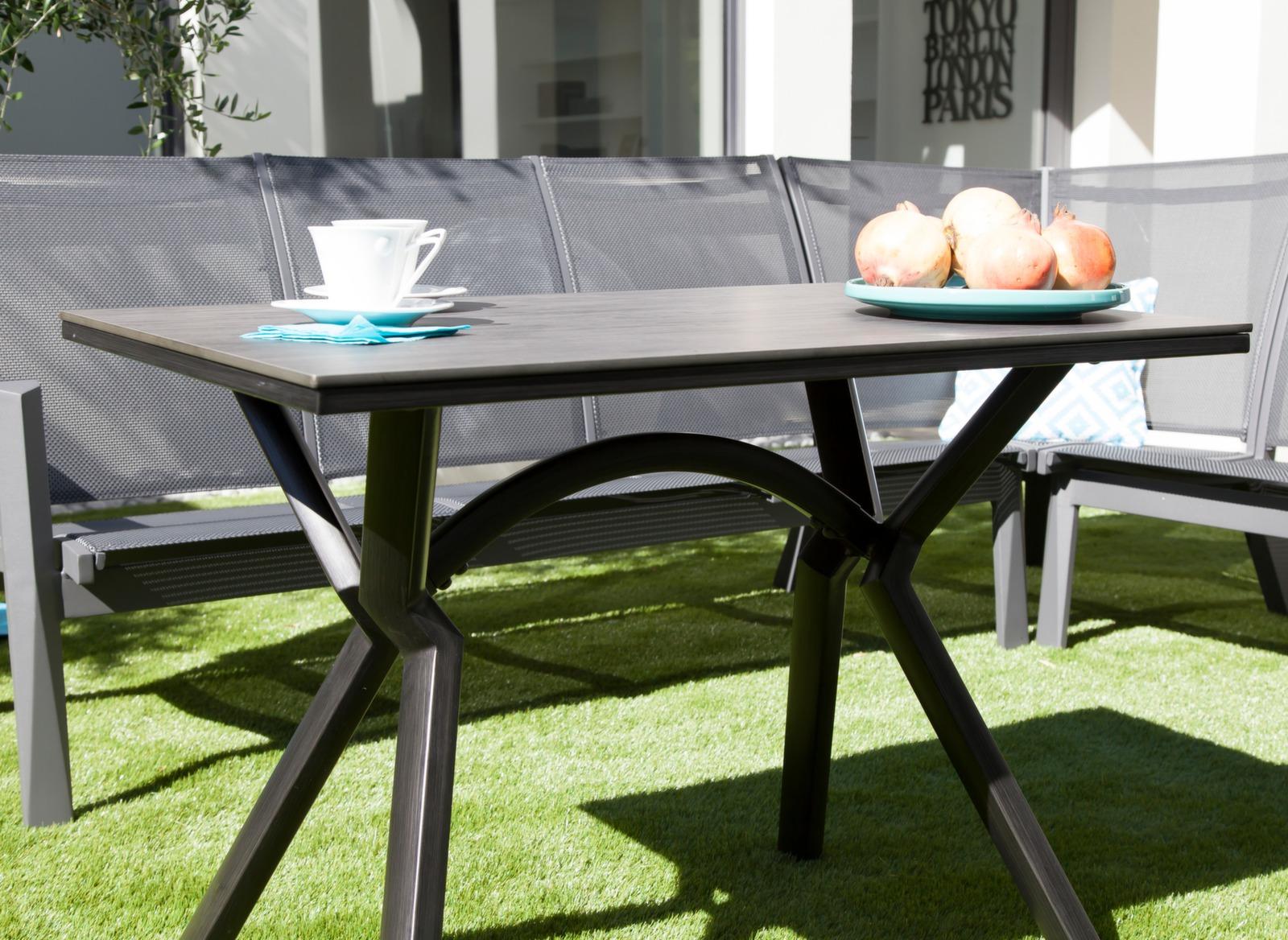 salon de jardin avec fauteuil d 39 angle meubles de jardin. Black Bedroom Furniture Sets. Home Design Ideas