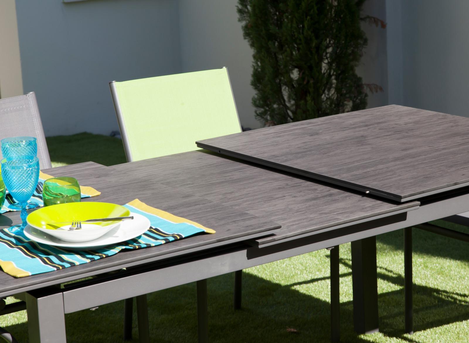 Table soto 180 240 cm plateau trespa tables de jardin for Plateau table 180