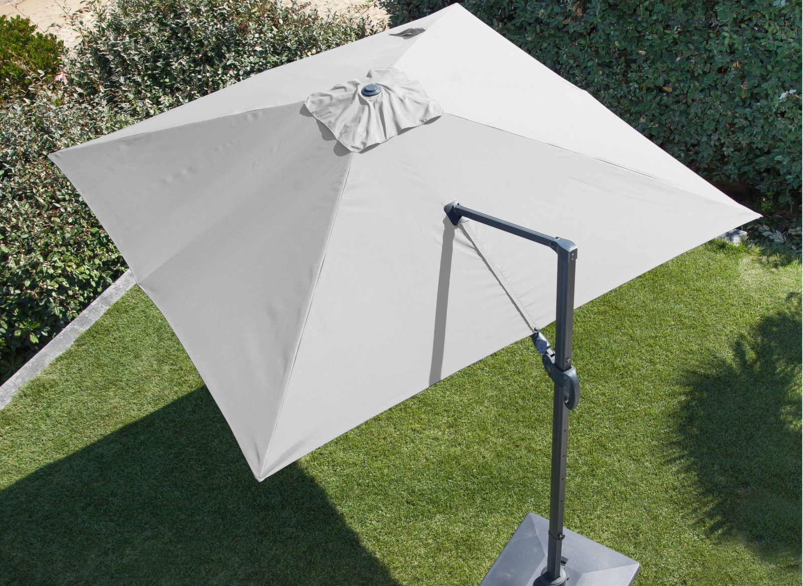 parasol d port orientable aluminium 3x3m meuble jardin proloisirs. Black Bedroom Furniture Sets. Home Design Ideas