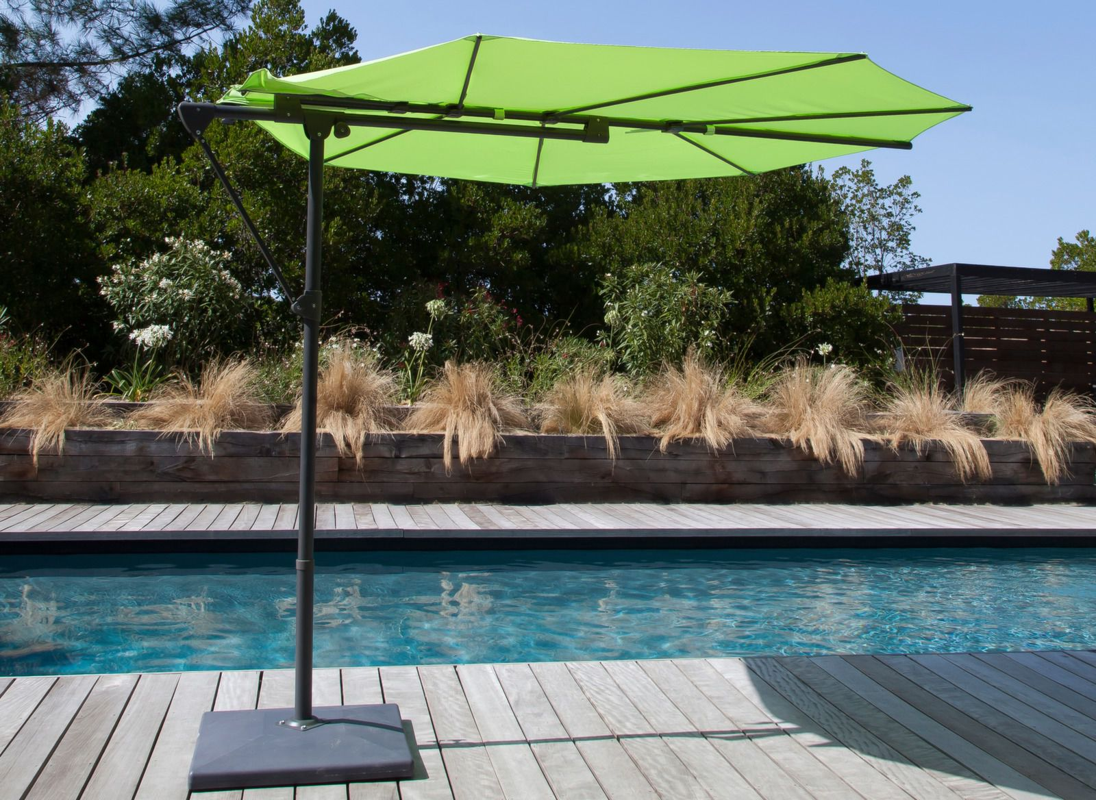 parasol d port feuille sun parasol d port pas cher proloisirs. Black Bedroom Furniture Sets. Home Design Ideas
