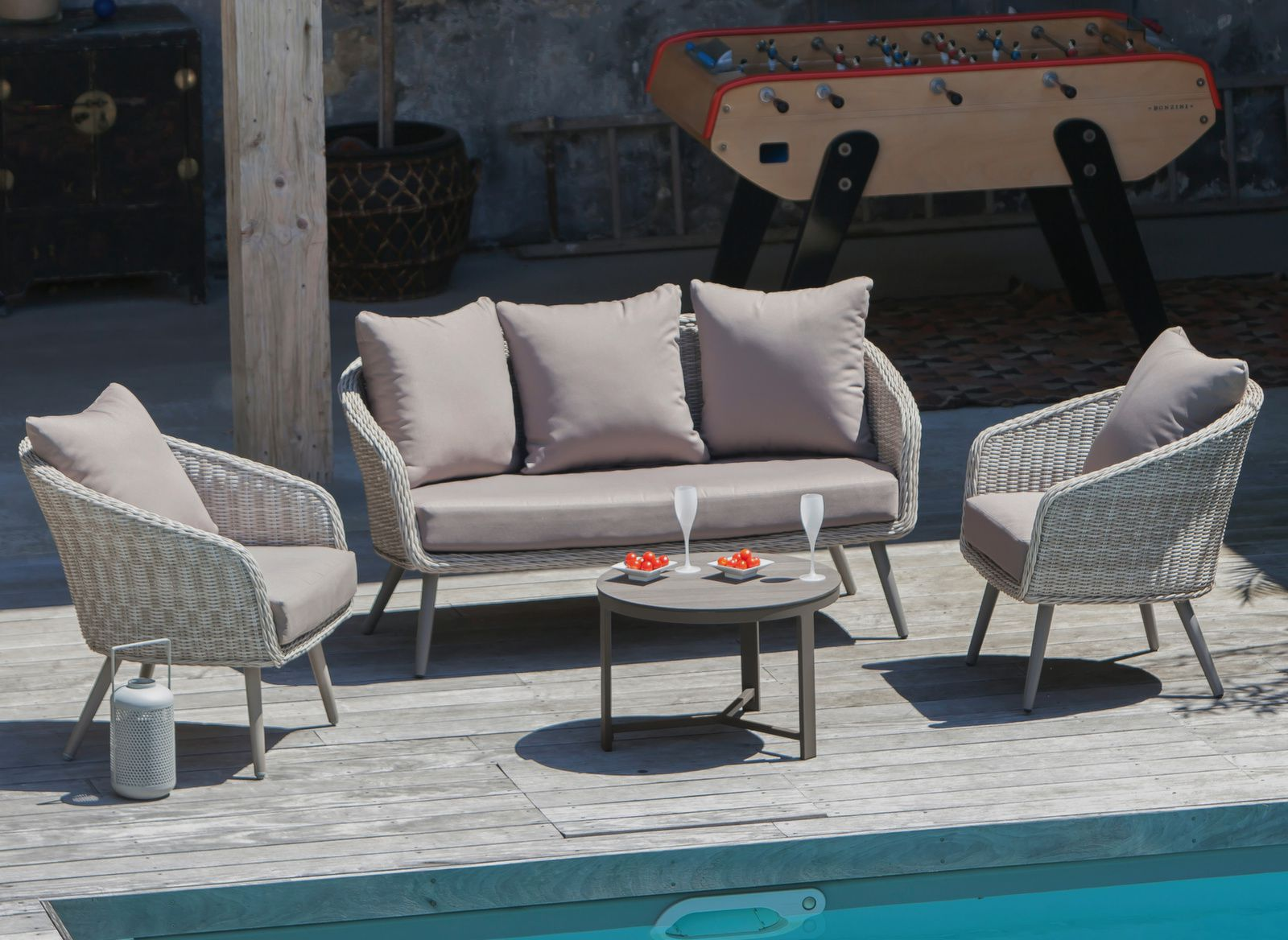 Salon de jardin Augusta - Canapé, fauteuils, table basse - Proloisirs