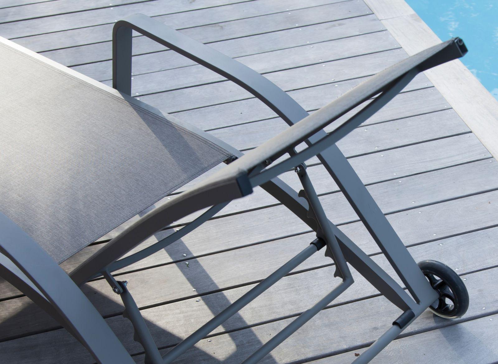 lit de soleil quenza bains de soleil transats lits de soleil proloisirs mobilier de. Black Bedroom Furniture Sets. Home Design Ideas