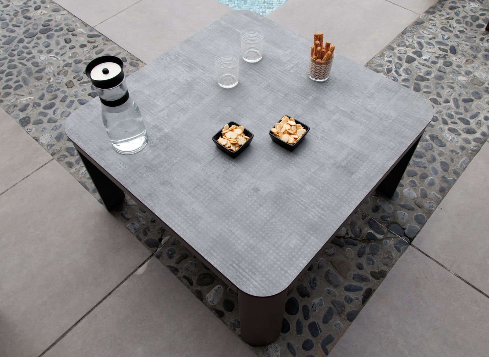 Table basse Eole 60x60 cm, plateau Trespa®
