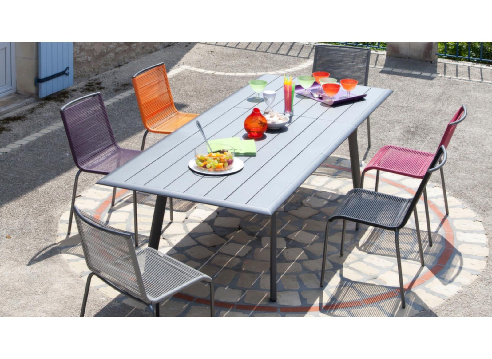 polo chaise empilable acier fils polypro taupe gris soldes meubles de jardin pour le repas. Black Bedroom Furniture Sets. Home Design Ideas