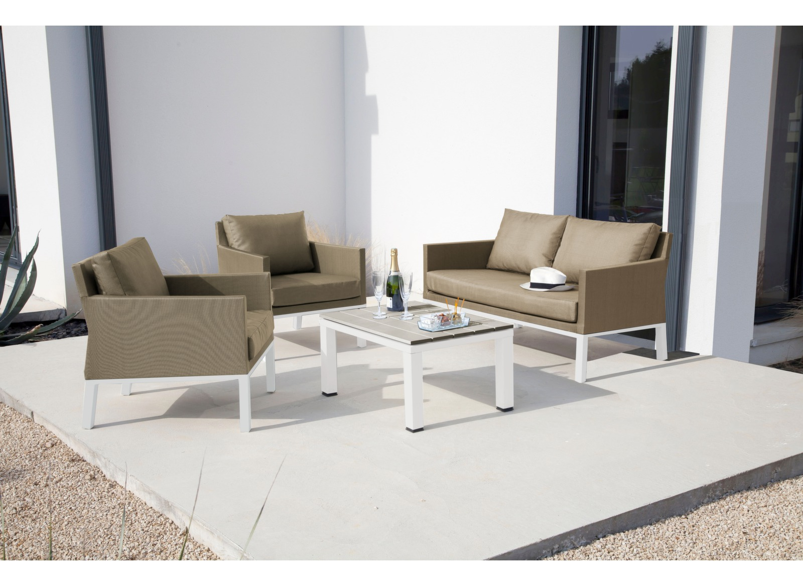 promotion canap de jardin 2 places table basse oslo. Black Bedroom Furniture Sets. Home Design Ideas
