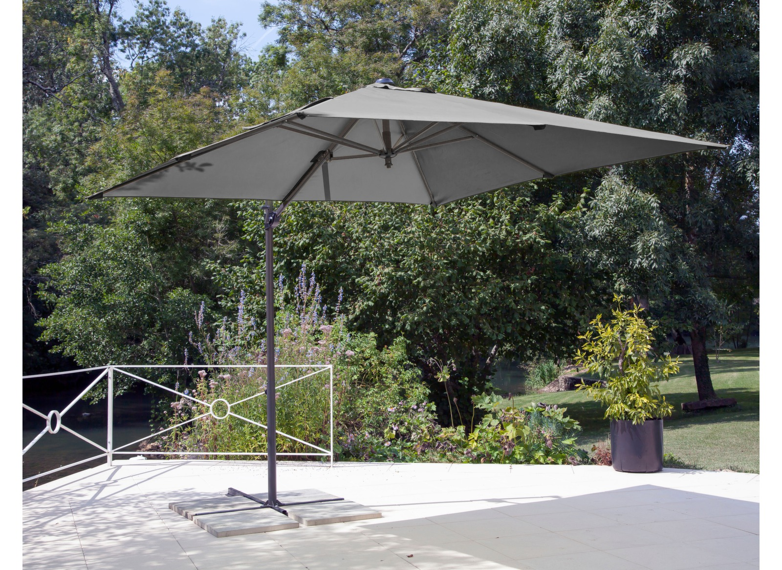 parasol d port gris 2 5x2 5 m parasol pas cher proloisirs. Black Bedroom Furniture Sets. Home Design Ideas