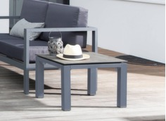 table basse avec plateau trespa