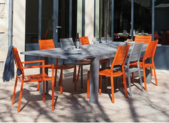 Table Aurore 175/234 cm + 8 sièges Latin
