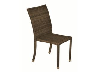 chaise en résine tressé