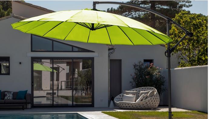 Proloisirs parasol d port pagode parasols for Grand parasol de terrasse